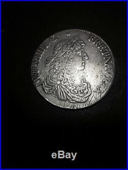 LOUIS XIV LE GRAND OU LE ROI SOLEIL Écu au buste juvénile 1664 Rennes g